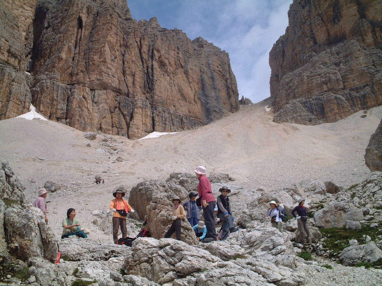 ドロミテ・南チロル山小屋ハイキング9日間