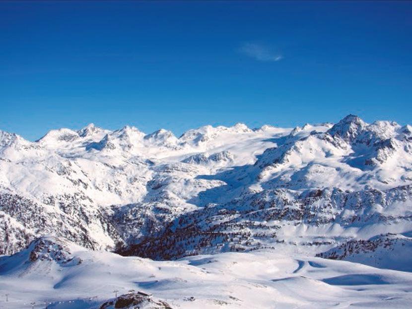 日本からスキーガイド同行シリーズ クールマイユール9日間