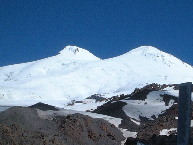 ヨーロッパ最高峰・エルブルース登頂&滑降10日間
