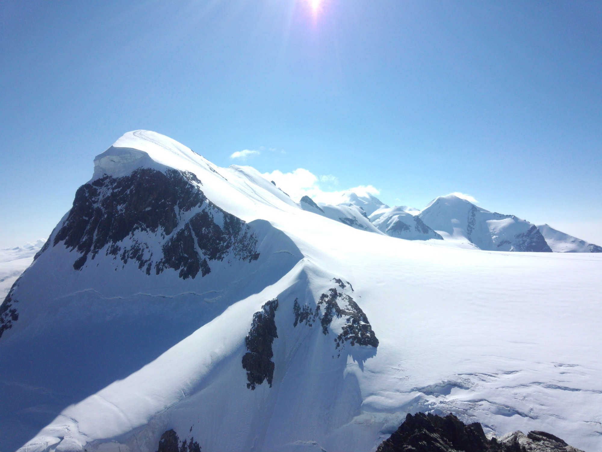 アレッチ氷河トレッキングとブライトホルン登頂9日間