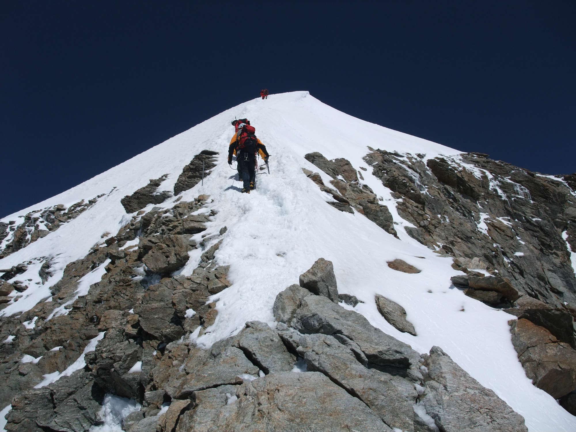 ユングフラウ(4,158m)登頂 8日間