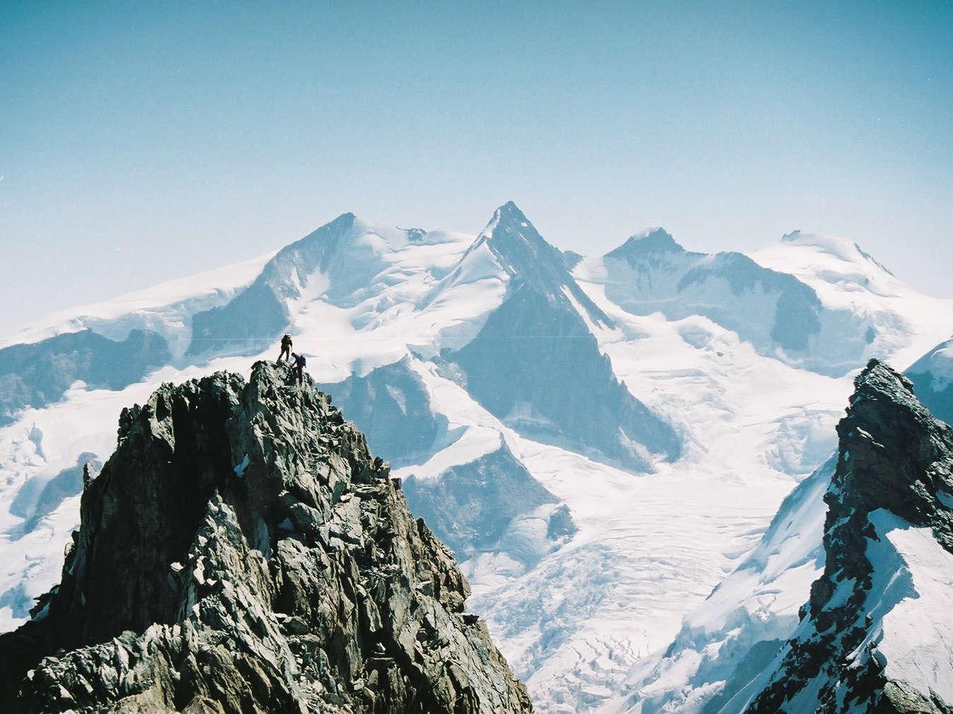 モンテローザ(ヘリ利用)登頂 8・9日間