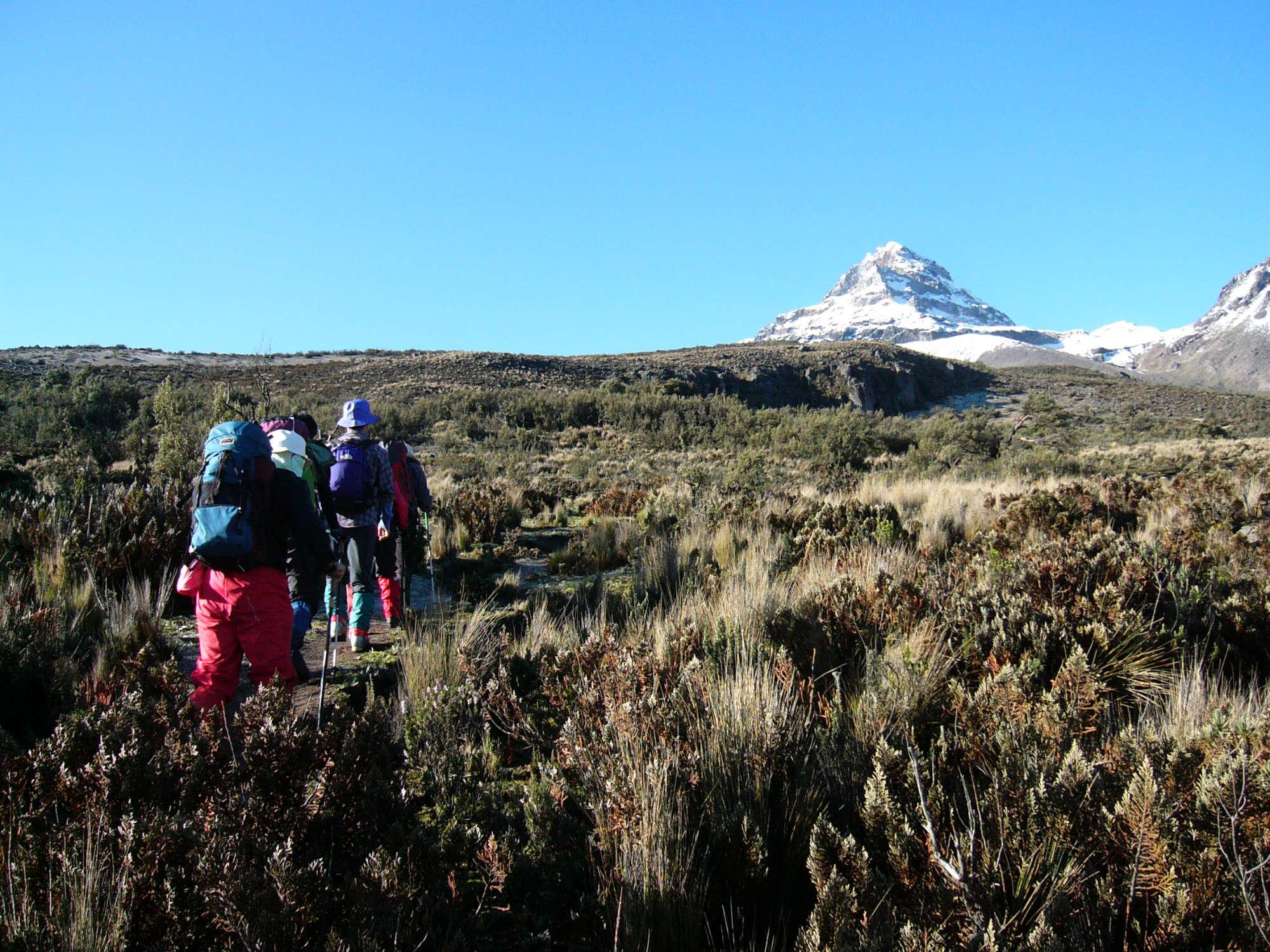 エクアドル・イリニサノース登頂9日間