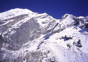 ネパール/パルチャモ(6,187m)登頂18日間