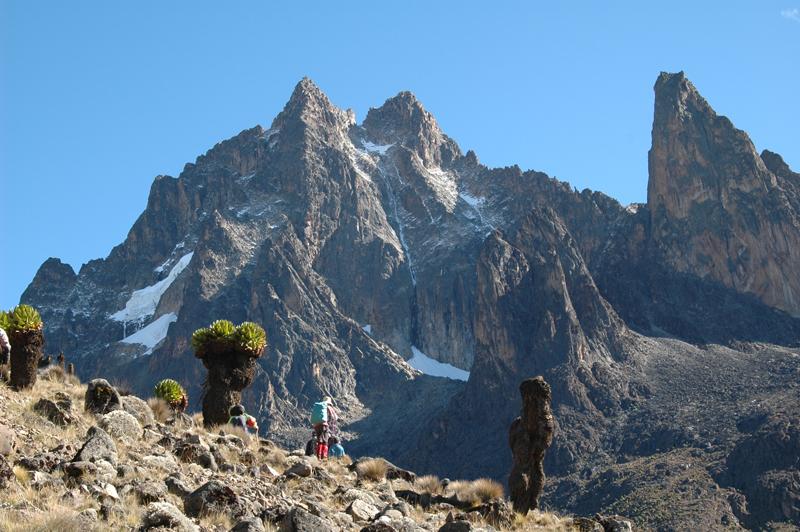 ケニア/ケニア山本峰バティアン(5,199m)登頂11日間